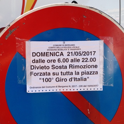 A no-parking sign for the Giro d'Italia