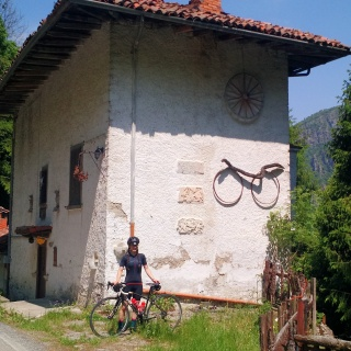 I had a hard time pulling Charly away from this house for rent - it even had a bicycle!